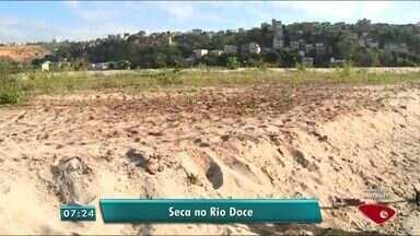 Situação do Rio Doce piora com a falta de chuva em Colatina, ES - Rio está seco na cidade.