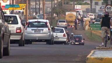 Cresce o número de acidentes e de vítimas no trânsito de Cascavel - O principal motivo é o desrespeitos às leis. A maioria dos acidentes graves é registrado à noite e com as pistas livres.