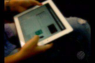 Polícia alerta pais para redobrar cuidado com filhos no uso de rede sociais em celulares - Um homem foi preso em Belém suspeito de aliciar adolescente de 13 anos na capital paraense. A mãe da menina pediu ajuda à polícia depois de encontrar conversas no celular da filha.