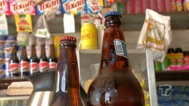 Aumenta o número de adolescentes que experimentam álcool - Cresce em 55% o número de adolescentes do último ano do ensino fundamental que já experimentaram bebidas alcoólicas. Os dados são da Pesquisa Nacional de Saúde Escolar (Pense), divulgado pelo Instituto Brasileiro de Geografia e Estatística (IBGE)