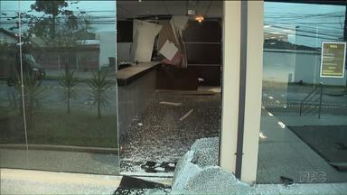 Bandidos explodem caixas eletrônicos no Tribunal Regional Eleitoral - Crime foi essa madrugada. Atendimento ao público não foi prejudicado.