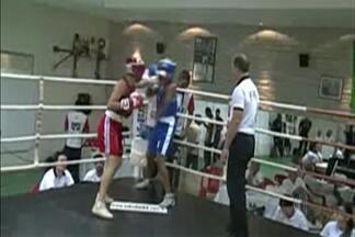 Jaqueline Durães é campeã do estadual juvenil de boxe - A pugilista mogiana derrotou Juliane Santos, da equipe Shark Man, de Suzano.