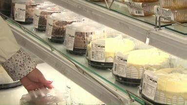 Processo de emagrecimento começa nas compras - Acompanhamos a Elena, que mudou a rotina e até os custos com o mercado.
