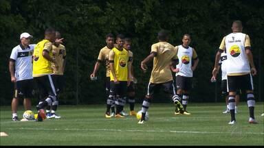 Botafogo-PB treina no CT da Barra Funda para jogo contra o Palmeiras - Itamar Schülle comanda treino, mas não revela equipe que joga na Arena do Palmeiras