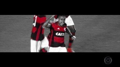 """Com três golaços de """"canhota"""", Flamengo consegue virada heroica e avança na Sul-Americana - Rubro-Negro reverteu desvantagem e eliminou o Figueirense com placar de 3 a 1."""