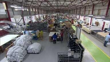 Programa do Senai mostra que é possível melhorar a empresa gastando pouco - Para aumentar a produtividade, o lucro e melhorar qualidade do produto, fábrica do RS modernizou sua linha de produção através do Programa Indústria Mais Produtiva.