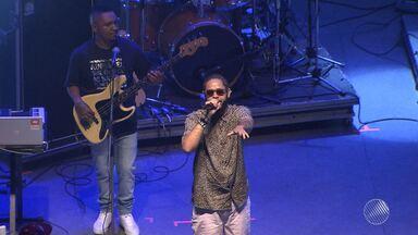 Rapper Emicida faz show em Salvador - O paulista se apresentou na Concha Acústica do TCA; veja como foi.