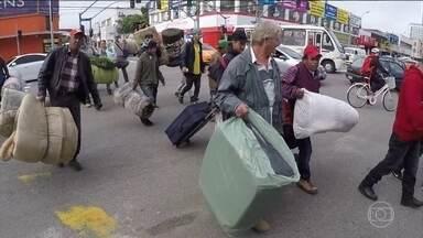 MST faz manifestações em várias partes do país - Os manifestantes pedem rapidez na reforma agrária e protestam contra a reforma da Previdência e o governo de Michel Temer.
