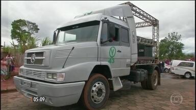 Dois meninos morrem atropelados por caminhão usado em campanha eleitoral em Paranapanema - O veículo foi contratado pela coligação que apoia o atual prefeito que é candidato à reeleição.