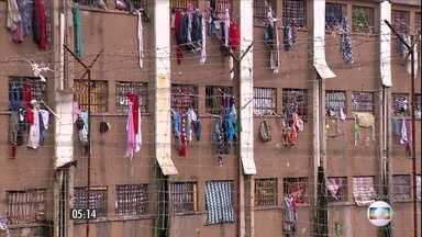 Facção criminosa impede saída de réu de presídio no RS - Em Porto Alegre, a ação dos criminosos acabou suspendendo uma sessão do tribunal do júri.