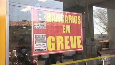 Bancos de Imperatriz e Codó fecharam por causa da greve dos bancários - A paralisação prejudicou muita gente da região que depende dos bancos da cidade.