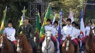Em BH, milhares de pessoas acompanham desfile em comemoração à Independência do Brasil - No 7 de Setembro, Forças Armadas, órgãos de segurança pública, associações e escolas passaram pela Avenida Afonso Pena, no Centro.