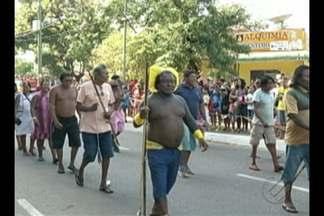 Multidão vai às ruas assistir a desfiles pelo Dia da Independência no interior do Pará. - Alunos de escolas municipais marcharam ao lado dos bombeiros e PM em Parauapebas. Dois mil e quinhentos militares participaram de evento em Marabá.