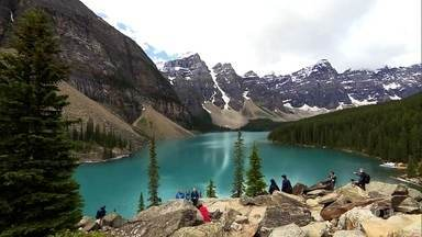 Globo Repórter – Canadá, 09/09/2016 - Globo Repórter revela as belezas do Canadá, um país de extremos. O programa mostra esse território mágico no inverno e no verão pelo ar, pela terra e pela água.
