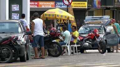 Motoristas não encontram vagas para estacionar em Laranjeiras na Serra, ES - Prefeitura da serra informou que está fazendo a licitação para implantar o estacionamento rotativo na Serra.
