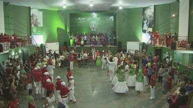 X-9 promove festa na quadra da escola de samba para apresentação de samba - Agremiação levará para a avenida os vários gritos que fizeram parte da história.