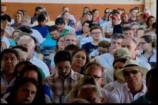 Situação de imóveis às margens do Lago de Furnas é discutida em audiência - Comissão da ALMG fez reunião sobre a situação em Capitólio. Órgãos fiscalizadores apuraram irregularidades em 151 dos 214 imóveis.
