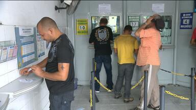 Casas lotéricas são alternativas durante greve dos bancários em Campina Grande - Em algumas lotéricas já chegou até a faltar dinheiro.