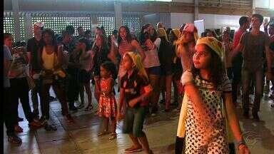 Super-Con em Maceió movimenta fim de semana de fãs de games e animes - Crianças e adultos aproveitaram para se vestir com seus personagens favoritos. Evento ocorre neste sábado (10) e domingo (11) no Centro de Convenções Ruth Cardoso.