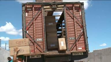 Polícia apreende 800 caixas de cigarro na zona rural de Pombal - Carga era contrabandeada do Paraguai.