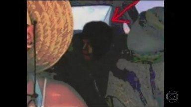 Detetive Virtual investiga foto atual que teria imagem de Michael Jackson - Foto abalou a internet: Michael Jackson estaria vivo? Polêmica surgiu após a filha do cantor publicar selfie nas redes sociais.