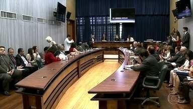 Comissão segue ouvindo depoimentos na CPI da Merenda - Os deputados investigam a fraude na compra da merenda para prefeituras de 22 cidades de São Paulo e para o governo estadual. Nesta terça-feira (13), quatro pessoas devem prestar depoimento na Assembleia Legislativa.