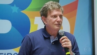 Marcelo Crivella (PRB) faz campanha em Benfica - Marcelo Crivella (PRB) faz campanha em Benfica