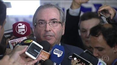 Cunha perde foro privilegiado e deve ser julgado por Moro - Pela Lei da Ficha Limpa, Cunha não pode se candidatar até 2027. Deputado cassado também perdeu salário de R$ 33.700.