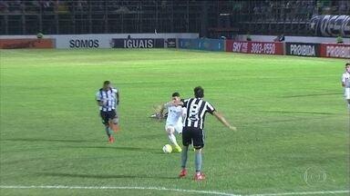 Botafogo joga bem, mas perde para o Santos no Brasileirão - Com a derrota, time está a 7 pontos do G4 e a 8 do Z4.