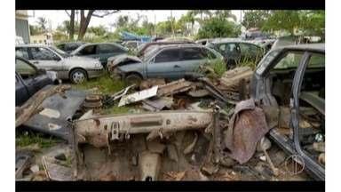 Más condições de depósito de veículos da Polícia Rodoviária gera transtornos em Casimiro - Posto fica no distrito de Barra de São João, RJ.