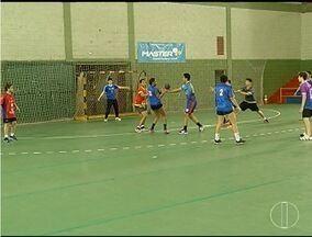 Equipe de handebol feminino de Montes Claros estreia na Liga Nacional - Estreia será nesta quinta-feira.