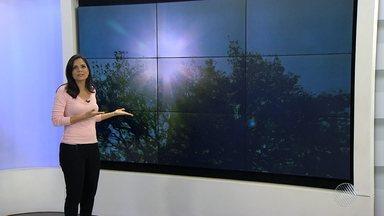 Conhecida como 'suiça baiana', Vitória da Conquista registra altas temperaturas - Os dias no sudoeste baiano têm sido de sol forte e céu praticamente sem nuvens.