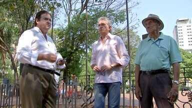 Candidato do PSDC cumpre agenda no centro de Campo Grande - O candidato Elizeu Amarilha do Psdc esteve nesta manhã de sábado (17) no centro de Campo Grande, conversando com os eleitores.