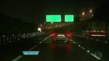 Assaltos assustam motoristas que circulam pela Rodovia dos Imigrantes - Nos cinco primeiros meses do ano, o número de roubos cresceu 50% em relação ao mesmo período do ano passado.