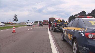 Uma pessoa morreu em acidente no Contorno Sul, em Curitiba - Um homem de 28 anos morreu na hora e uma mulher ficou ferida.