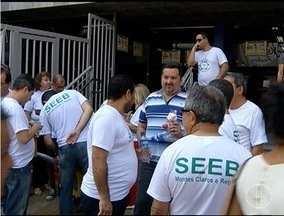 Greve dos bancários prejudica vários serviços em Montes Claros - Movimento já dura mais de 15 dias e afeta o dia a dia da população.