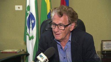Justiça cassa candidatura de prefeito que tenta reeleição por considerá-lo analfabeto - Caso aconteceu em Sertanópolis. Candidato vai recorrer da decisão.
