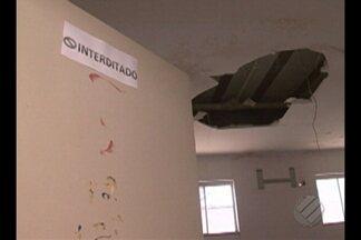 Repleta de infiltrações, estrutura de gesso de hospital corre risco de desabar em Altamira - Repleta de infiltrações, estrutura de gesso de hospital corre risco de desabar em Altamira