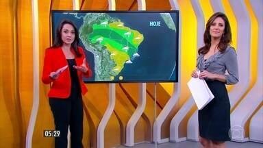 Confira como fica o tempo nesta segunda-feira (26) em todo o país - A chuva vai se concentrar no norte do país. Há previsão de mais temporais para Belo Horizonte e em Palmas.
