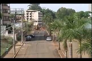'Projeto Água Viva' inicia mais uma etapa em Uberaba - Obra avançou por mais um quarteirão da Avenida Santa Beatriz, nesta quarta-feira (5).