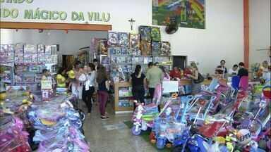 Procon orienta pesquisar preços durante as compras para o Dia das Crianças - Pesquisa Ribeirão Preto (SP) constatou que o mesmo brinquedo pode custar até o dobro em lojas diferentes.