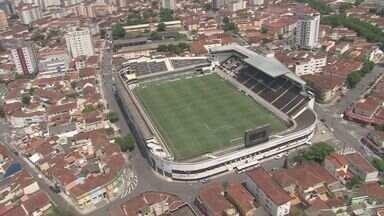 Vila Belmiro completa 100 anos com festa e jogo entre Santos e Benfica - Festa na Vila terá cantor português e homenagem a funcionário