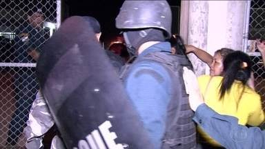 Briga de facções criminosas deixa 25 mortos em penitenciária de Roraima - Uma briga entre facções criminosas deixou 25 presos mortos, segundo a polícia, na maior penitenciária de Roraima.