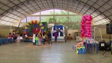 Crianças com microcefalia ganham festa em Santo Amaro - Evento foi promovido pela Missão Internacional de Proteção à Criança e ao Adolescente.