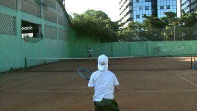 Irmãos Gabriel e Guilherme Barbosa evoluem no cenário nacional do tênis - Eles disputaram a Copa Guga Kuerten de tênis infanto-juvenil.