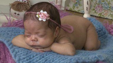 Bebê que nasceu de mãe com morte cerebral completa dois meses no ES - Ela foi mantida viva por aparelhos para que gestação continuasse.