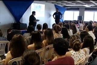 Estudantes de Montes Claros se reúnem em preparação para ENEM - Centenas se reuniram para dia intensivo de estudo.