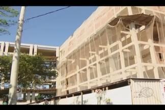 Obras do Pronto Socorro do HC-UFU em Uberlândia param novamente - Funcionários de construtora alegam não receber há 60 dias. UFU aguarda posição da Procuradoria Geral da Instituição.