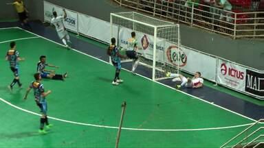 Cascavel futsal vai a Guarapuava e perde de goleada no Paranaense - O CAD de Guarapuava fez quatro gols ainda no primeiro tempo e terminou o jogo em 5 a 1
