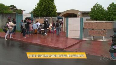 Alunos desocupam colégio estadual em Guarapuava - A ordem de reintegração foi determinada pela Justiça.